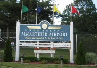 isp islip airport macarthur airport entrance sign